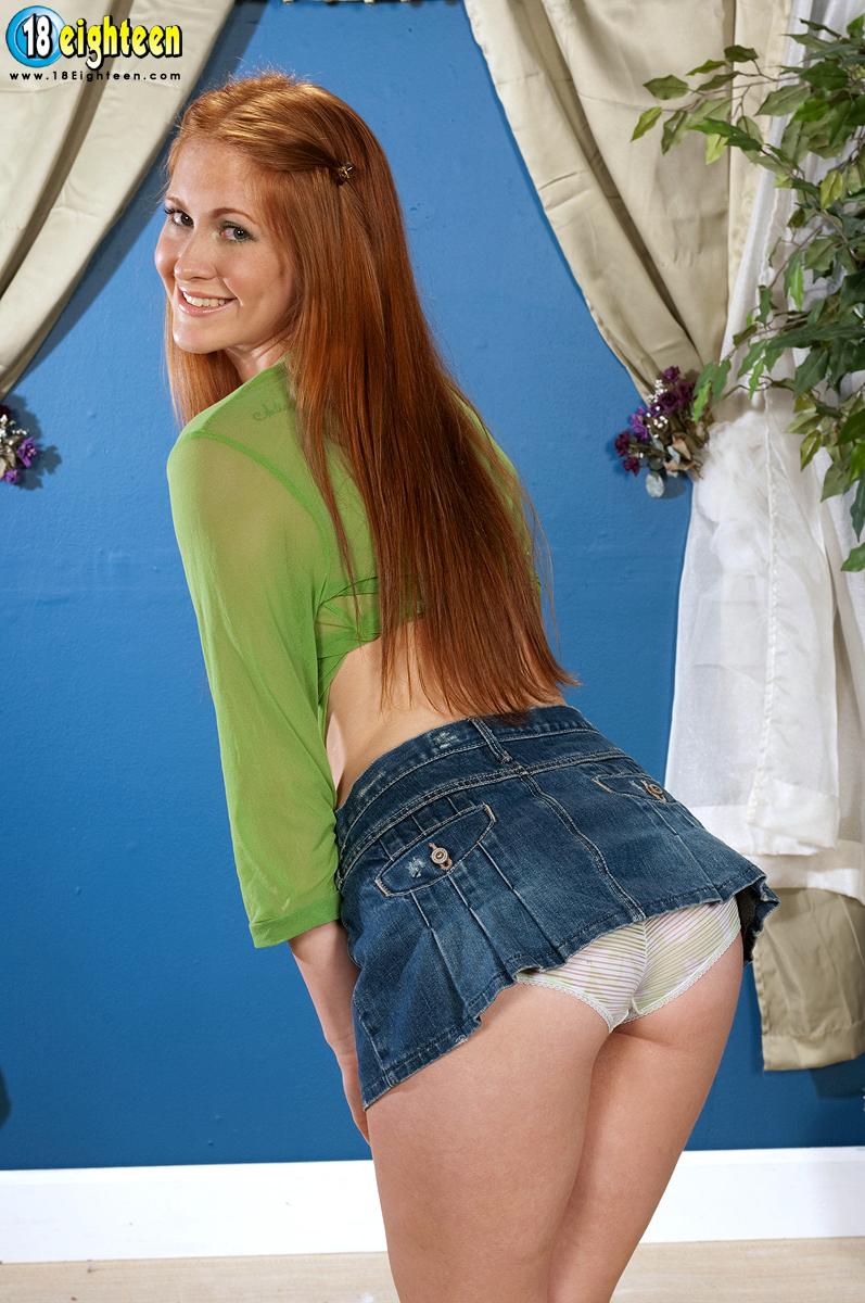 Рыженькая девочка-подросток Amber Swift считает, что одежда ей не нужна И мы с этим согласны!